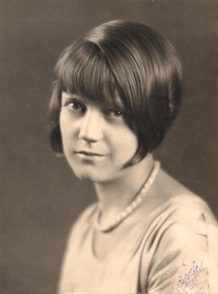 Estelle Duval - abt 1928-1
