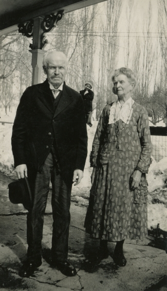 Frederick William Ellis and Susan Kaziah Davis, in the snow