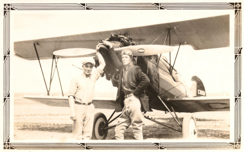 DUVAL, Francis Henry by his plane, with his mechanic